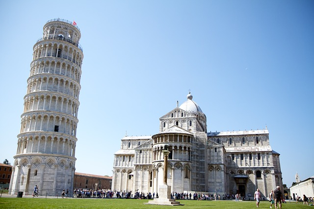 Cook in Lucca and Push the Tower in Pisa