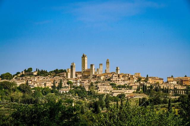 San Gimignano Wine Tasting and Skyline and Volterra