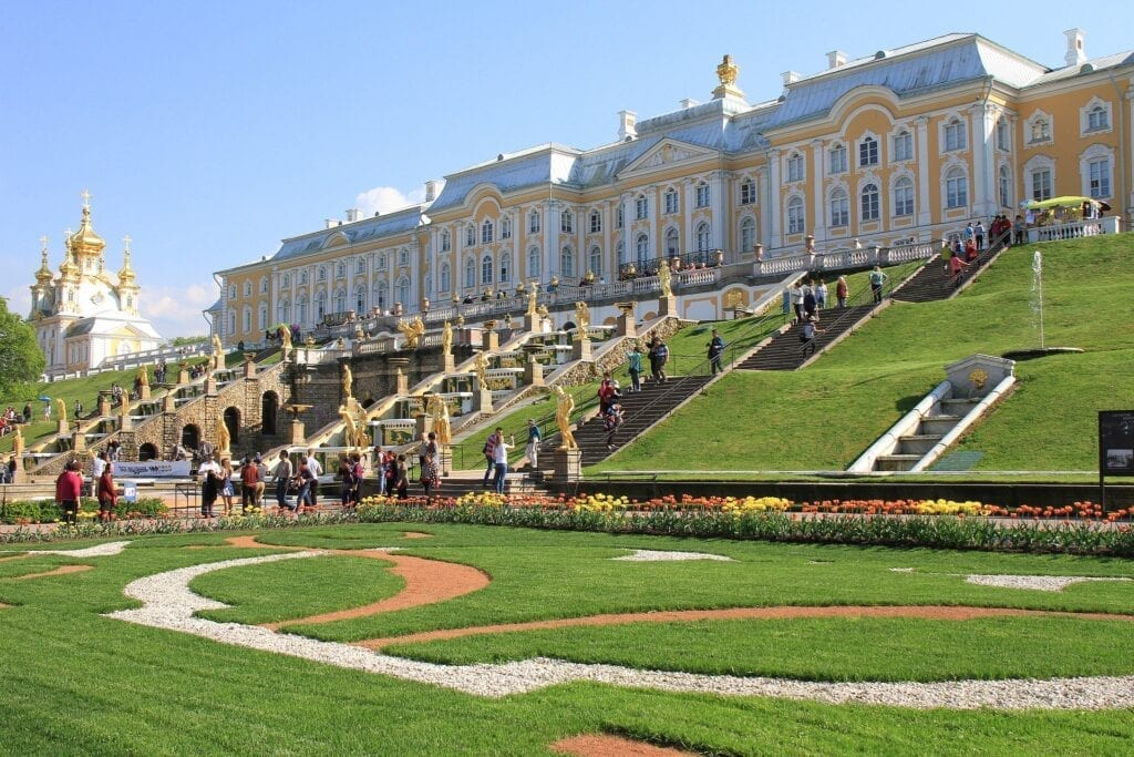 Peter The Great's Grand Palace Tour