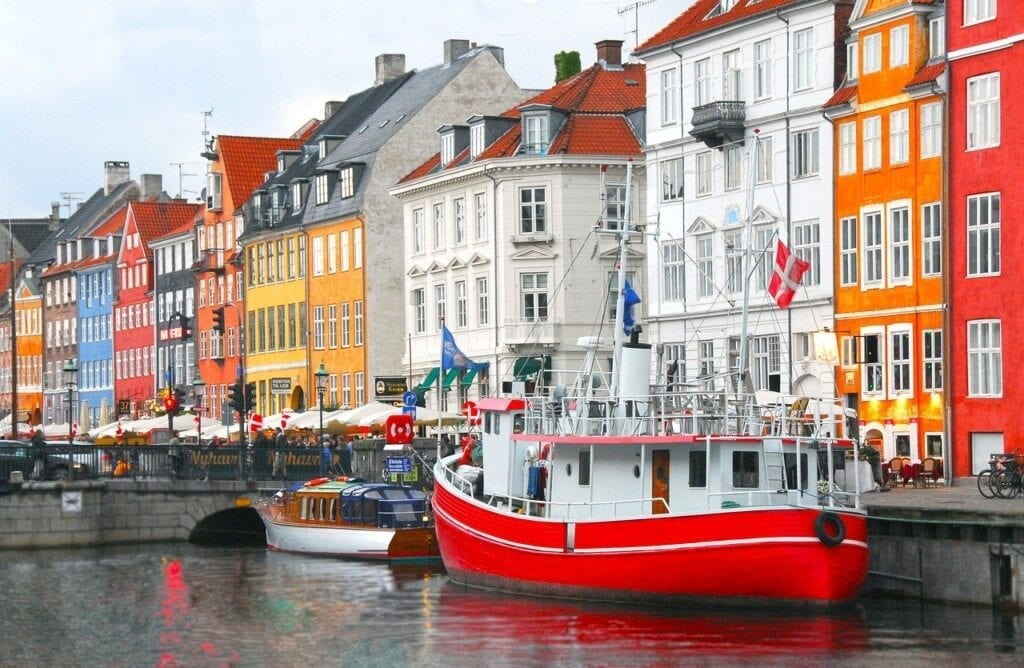 Copenhagen's Highlights  Driving Tour