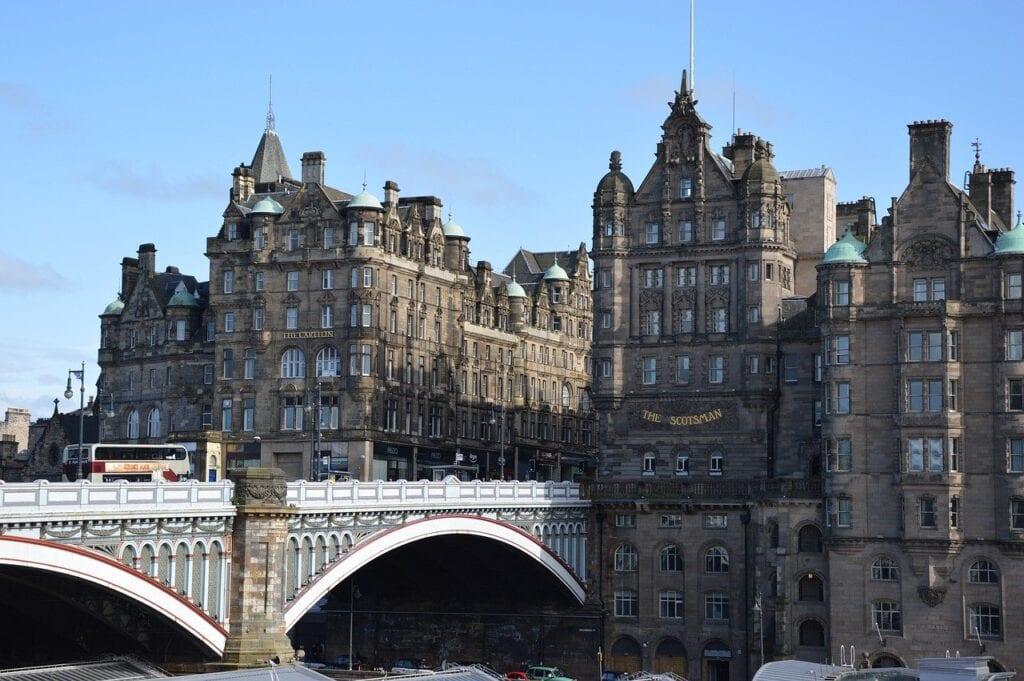 Edinburgh Highlights in a Full-Day Tour